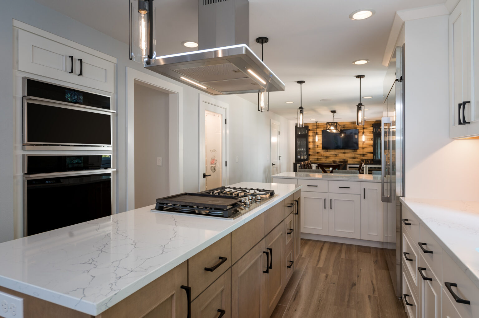 TWO TONED KITCHEN REMODEL 1